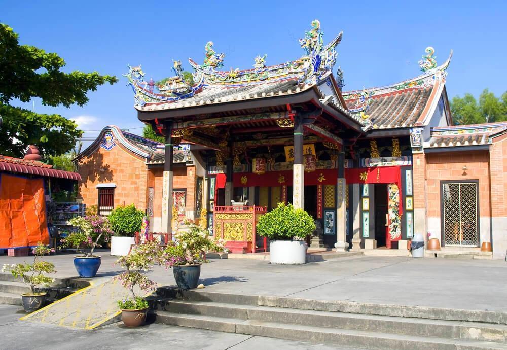 بازدید از خانه مارهای پنانگ در تور مالزی