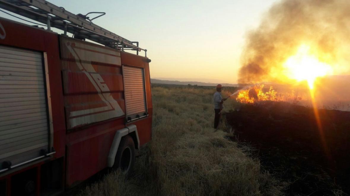 خبرنگاران آتش سوزی در پسماندهای کشاورزی پلدختر