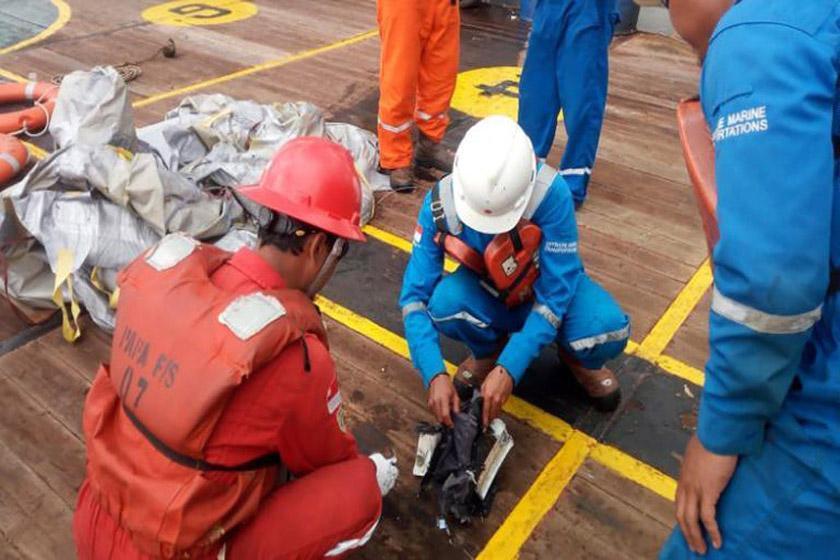 هواپیمای اندونزی در دریا سقوط کرد