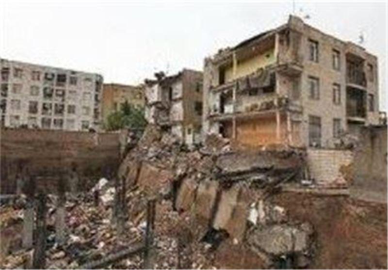 بازداشت مالک و مهندس ناظر به دنبال ریزش ساختمان در تهران نو، تحقیقات ادامه دارد