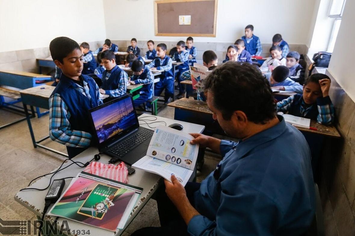 خبرنگاران رییس مجمع نمایندگان یزد: مطالبات معلمان بازنشسته پیگیری می گردد