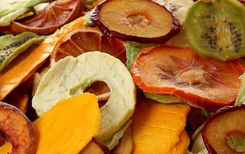 طرز خشک کردن میوه در خانه