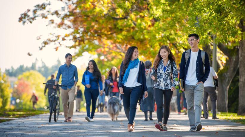 درآمد دانشجو در کانادا