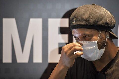 خبرنگاران شاعر فوتبال از چاله زندان به چاه کرونا افتاد