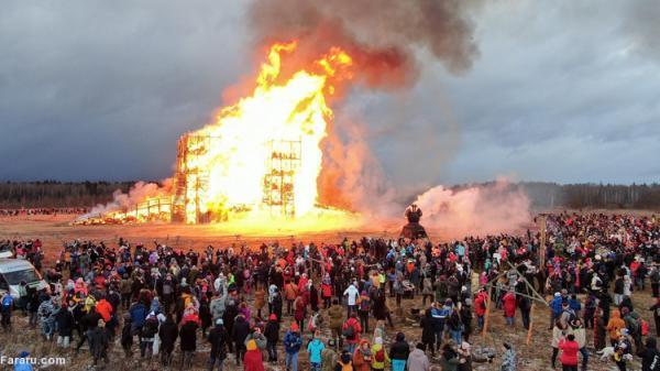 (ویدئو) کاخ کرونا آتش زده شد!