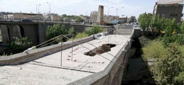 شروع عملیات پاک ساز و بازسازی پل تاریخی کرج