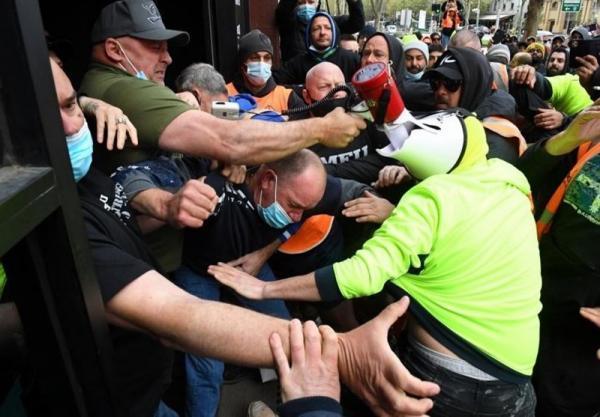 تور استرالیا ارزان: درگیری شدید کارگران استرالیایی و پلیس در ملبورن